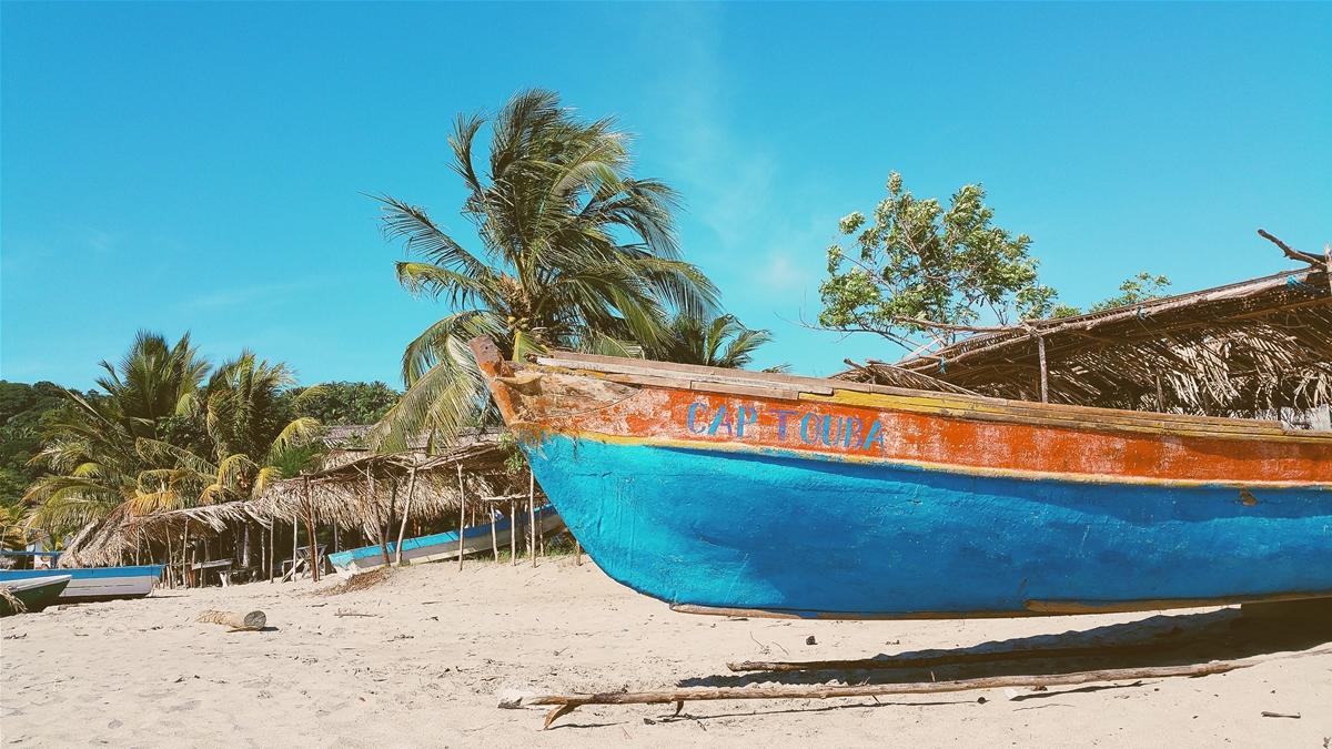 Boat escutcheon