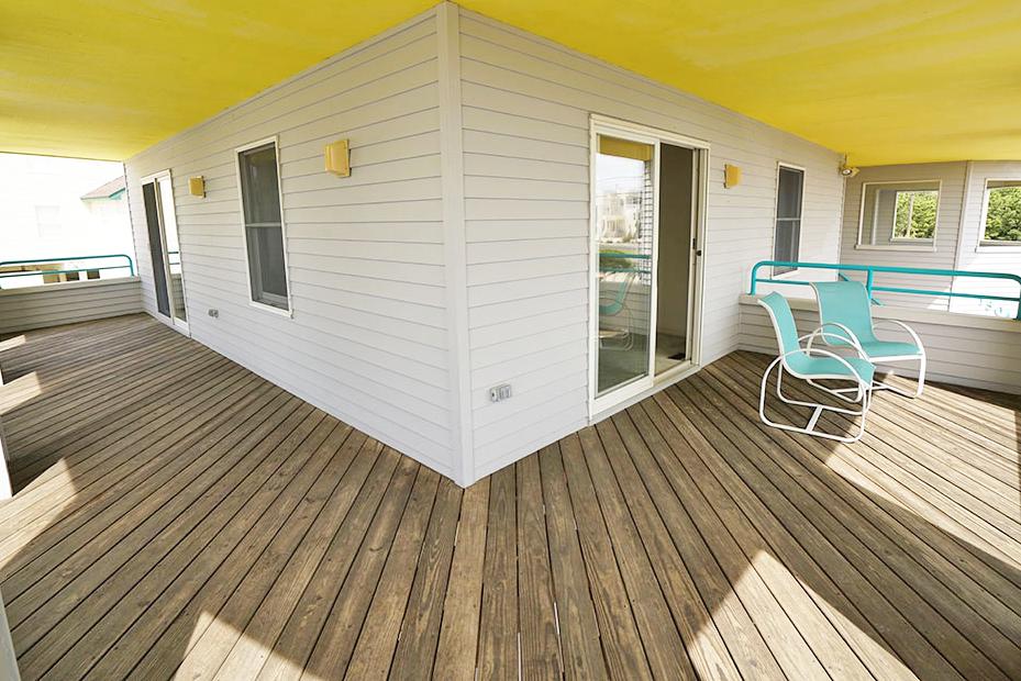 Lower Deck off Bedrooms